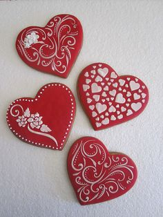 Find best ideas / inspiration for Valentine's day cookies. Get the best Heart shaped Sugar cookies for Valentine's day & royal icing decorating ideas here. Fancy Cookies, Heart Cookies, Iced Cookies, Cute Cookies, Cookies Et Biscuits, Sugar Cookies, Valentines Sweets, Valentines Day Cookies, Holiday Cookies