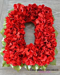 DIY Red Hydrangea Christmas Wreath #christmasDIY
