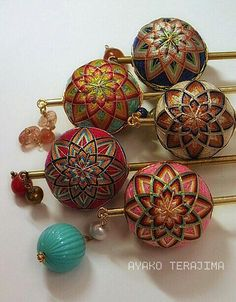 Ayako Terajima on Traditional Japanese Art, Japanese Design, Temari Patterns, Flower Ball, Ribbon Work, Fabric Ribbon, Japanese Fabric, Hair Ornaments, String Art