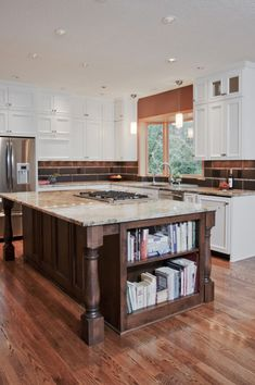 Trendy Kitchen Island With Stove Top Backsplash Ideas Kitchen Island With Cooktop, Island Cooktop, Rustic Kitchen Island, Kitchen Island With Seating, Kitchen Stove, New Kitchen, Kitchen Islands, Kitchen Ideas, Island Bench
