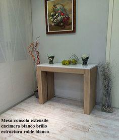 mesa consola extensible multifunción de estilo nordico en madera de roble y blanco Entryway Tables, Furniture, Home Decor, Nordic Style, Oak Tree, White People, Wood, Apartment Design, Decoration Home
