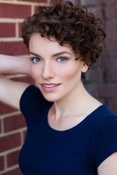 Pin by greg ellwand on curly hair in 2019 короткие волнистые Short Curly Pixie, Curly Pixie Hairstyles, Short Curly Haircuts, Curly Hair Tips, Cute Hairstyles For Short Hair, Wavy Hair, Short Hair Cuts, Curly Hair Styles, Curly Crop