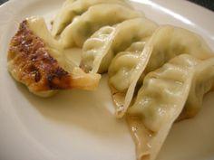 Gyoza o empanadillas japonesas by tiritinyam