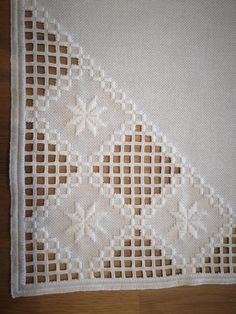 Hardanger placemat in beige Hardanger Embroidery, Paper Embroidery, Hand Embroidery Designs, Crochet Doily Patterns, Crochet Doilies, Cross Stitch Patterns, Drawn Thread, Point Lace, Tatting Lace
