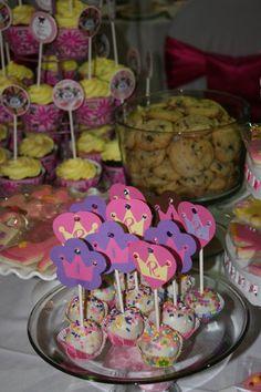 Princess cake pops Birthday Bash, Birthday Cakes, Birthday Ideas, Birthday Parties, Happy Birthday, Princess Cake Pops, Cupcake Cakes, Cupcakes, Knight Party