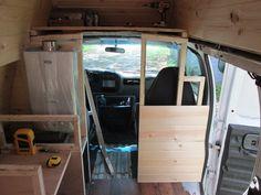 Diy Camper Trailer, Build A Camper Van, Wilde Hilde, School Bus Tiny House, Minivan Camper Conversion, Van Conversion Interior, Kayak Storage, Campervan Interior, Van Living