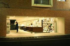 [渋谷] PUBLISHING AND BOOKSELLERS • Bookstore