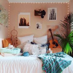I post too many bedroom photos I know but look how pretty it is 😍~Loz Dream Rooms, Dream Bedroom, Girls Bedroom, Bedroom Decor, Bedroom Ideas, Bedrooms, My New Room, My Room, Dorm Room