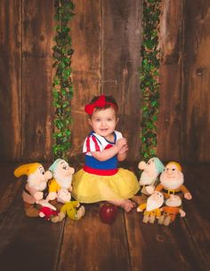 Snow White and the seven dwarfs, Snow White, snow haute birthday, Snow White baby, Snow White baby photos, first birthday, Jasmine Rose Photography, girl photos, Princess photos, Princess