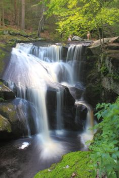 13 New England Waterfall Photos and Tips at https://www.nephotographyguild.com/2018/04/new-england-waterfall-photos-and-tips/ #waterfall #photography #photographytips #photographytalk #naturephotography #outdoor
