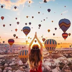 Cappadocia in Turkey has become known for its stunning hot-air balloon rides. These balloons fill the sky with tremendous color, as these photos show. Places To Travel, Places To See, Wonderful Places, Beautiful Places, Amazing Places, Turkey Destinations, Travel Destinations, Amazing Destinations, Holiday Destinations