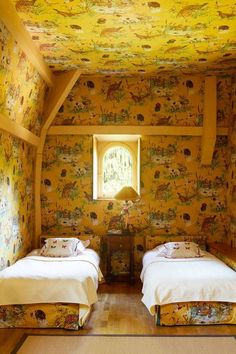 Wes Anderson inspired children's twin bedroom with vintage Pierre Frey statement wallpaper in a French country mansion Pierre Frey, Accidental Wes Anderson, Inspirational Wallpapers, Country Estate, Home Living, Living Spaces, Living Room, Beautiful Bedrooms, New Wall