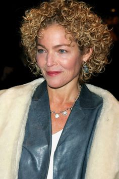 Great hair on over 40 person. Short Curly Haircuts, Curly Hair Cuts, Permed Hairstyles, Curly Hair Styles, Curly Short, Deva Curl Cut, Amy Irving, Kelly Hu, Celebrity Stars
