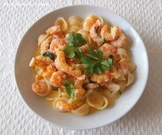 My Culinary Curriculum: Crevettes sautées à la coriandre, curry, coco et a...