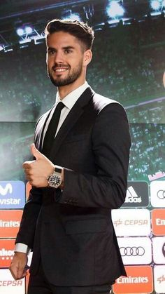 Omg Real Madrid Football Club, Real Madrid Players, Soccer Guys, Soccer Players, Ronaldo, Isco Real Madrid, Paris Saint Germain Fc, Equipe Real Madrid, Divas