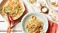 Gemüsespaghetti mit Garnelen