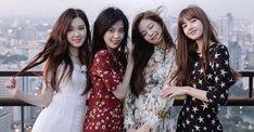 5 Variety Show Blackpink Ini Wajib Ditonton! Kpop Girl Groups, Korean Girl Groups, Kpop Girls, Blackpink Wallpaper, Black Wallpaper, Kim Jennie, Black Pink Kpop, Blackpink Photos, Pictures