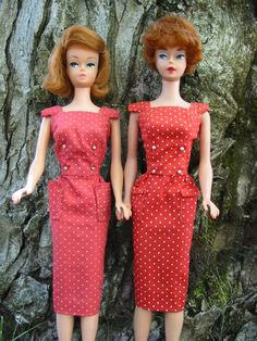 My Barbie used to wear this dress. I wonder what happened to it??