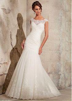 Elegant Organza Bateau Neckline Natural Waistline Mermaid Wedding Dress With Lace Appliques