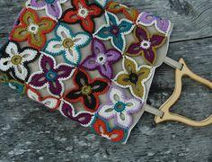 Crochet bag, peacock butterfly flowers. Scheepjes Linen Soft | Happy in Red