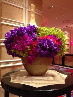 Gorgeous flower arrangement in the lobby of Encore Las Vegas, photo by Wendy Tomoyasu