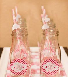 Baby Shower Milk Bottles. I can totally make these :) Rain Baby Showers, Shower Party, Baby Shower Parties, Baby Shower Themes, Shower Ideas, Nikki Baby, Felt Baby, Baby Baby, Baby Shower Vintage