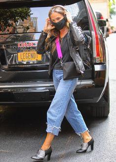 Outfits Zum Nachkaufen, Jean Outfits, Sarah Jessica Parker, Carrie Bradshaw, Jeans Trend, Skinny, Wide Leg Jeans, Street Style, Celebrities
