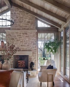 In my dream world I hire @jeffreydungan to build me the best house in the entire world... mmmkkaayyy!!! His work stops me in my tracks… Home Interior Design, Interior And Exterior, Architecture Design, Good House, Fireplace Design, Fireplace Update, Custom Home Builders, Decoration, Great Rooms