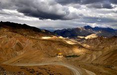 Ladakh cerca de las montañas tibetanas de Lamayuru