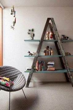 Deko zum Selbermachen aus einer Leiter: Ein Bücherregal