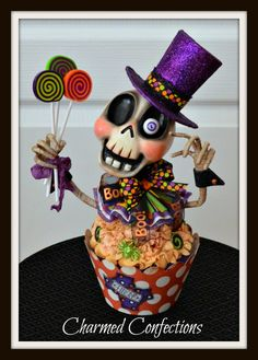 Ghoulie Cake Skellie by LeeAnn Kress www,charmedconfections.com https://www.facebook.com/charmedconfectionsfolkart