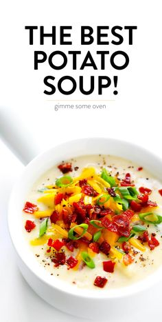 The BEST Potato Soup recipe! It's quick and easy to make, nice and creamy (with zero heavy cream), with lots of bacon (if you'd like). Total comfort food! | Gimme Some Oven #soup #potatosoup #dinner #bacon