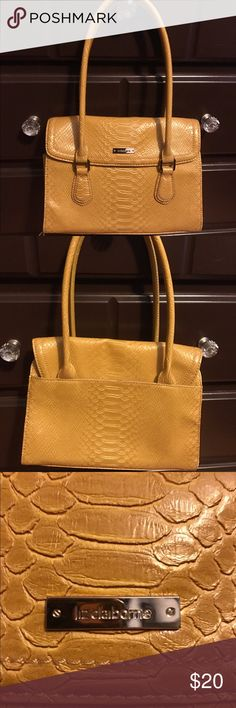 Liz Claiborne handbag Liz Claiborne handbag - wonderful yellow, great for spring! Liz Claiborne Bags