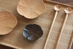 QupuQupu 気まぐれブログ Wooden Ladle, Wooden Spoons, Wooden Chopping Boards, Japanese Ceramics, Wood Bowls, Wooden Kitchen, Kitchen Gifts, Woodworking Furniture, Wood Knife
