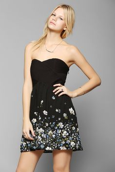 Kimchi Blue Floral Strapless Dress