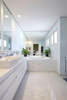 Apartamento Higienópolis / Oscar Mikail #banheiro #banheira #bathroom #bathtub #shower