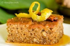 Παραδοσιακή καρυδόπιτα Greek Sweets, Greek Desserts, Greek Recipes, Greek Honey Cake Recipe, Desserts With Biscuits, Biscotti Cookies, Confectionery, No Bake Cake, Banana Bread