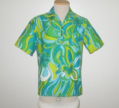 Vintage 1960s Hawaiian Psychedelic Shirt By Polynesian Bazaar Made In Waikiki - Size M by SayItWithVintage on Etsy