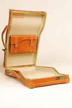 Williams British Handmade Luggage Researched By The House of Beccaria