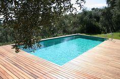 Dimensione specchio d'acqua: 3,50 x 8,00 m; Altezza acqua: 1,20 m; Pannellatura: Ombreggiante; Tipo bordo: Legno; Colore Telo Vasca:Verde.