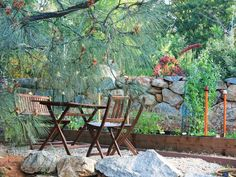 Create a shaded canopy for outdoor dining >> http://www.diynetwork.com/outdoors/cottage-style-landscapes-and-gardens/pictures/index.html?soc=pinterest