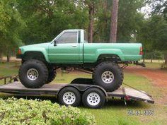 perfect for the dunes Mini Trucks, Cool Trucks, Chevy Trucks, Pickup Trucks, Lifted Trucks, Toyota Pickup 4x4, Toyota Trucks, Toyota Hilux, Toyota Tacoma