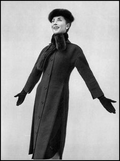 Renée Breton in Christian Dior Coat, photo by Georges Saad, 1955 Vintage Dior, Christian Dior Vintage, Moda Vintage, Vintage Coat, Vintage Glamour, Vintage Dresses, Vintage Ladies, Vintage Outfits, Vintage Couture