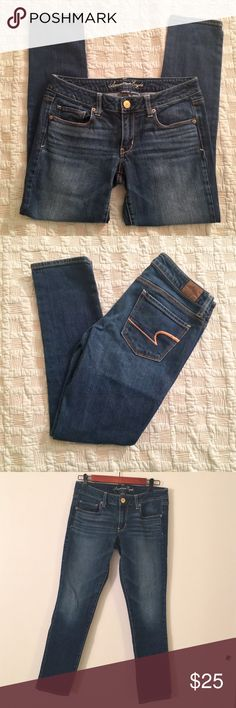American Eagle Dark Wash Skinny Jeans These jeans are flattering on anyone and are in great condition! American Eagle Outfitters Jeans Skinny
