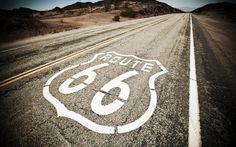 """La Route 66 è una strada leggendaria, che tutti conoscono. Purtroppo sarebbe meglio dire """"era"""" una strada perché ormai da un trentennio è stata cancellata dalle mappe stradali degli Stati Uniti. Il nome Route 66 evoca qualcosa di magico e di leggendario: ha sempre significato """"andare in qualche posto"""", non semplicemente spostarsi. La vita On the Road è divenuta una vera e propria filosofia, evocata da un numero incalcolabile di libri, film, canzoni. La US Route 66 inizia dal centro di ..."""