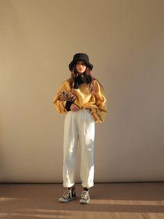 Korean fashion styles 592575263451335898 - Stylish ideas on korean style fashion 176 Source by Korean Fashion Trends, Korean Street Fashion, Asian Fashion, Look Fashion, Girl Fashion, Fashion Outfits, Grunge Fashion, Fashion Fall, Fashion Styles