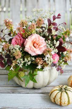 DIY Blooming Pumpkin Method   ©homeiswheretheboatis.net #pumpkinvase #flowers #DIY Pumpkin Vase, Pumpkin Carving, Pumpkin Planter, Carving Pumpkins, A Pumpkin, Thanksgiving Decorations, Halloween Decorations, Table Decorations, Diy Halloween