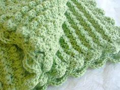 Crochet blanket - bobble stitched, scalloped