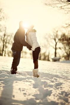And another cute snow engagement pic!