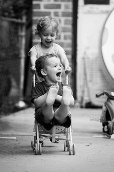 Innocent laugh, kids playing, black and white photography Baby Kind, Baby Love, Little People, Little Ones, Cute Kids, Cute Babies, Beautiful Children, Belle Photo, Make You Smile